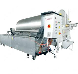 Available production speed 900 -1200 kg/h  Voltage 400V  The power of bath heaters 14,4 kW  Machine total height 2m  Paraffin bath capacity up to 1200 litres