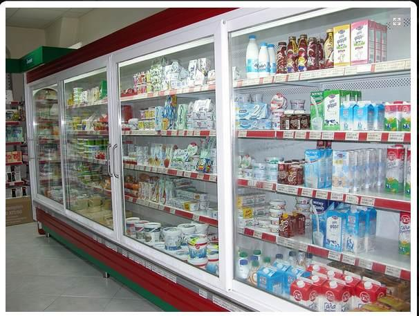 Refrigerated counter displays for supermarkets