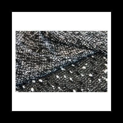 La Team Tex, specializzata nella produzione di tessuti a maglia per case di moda, propone alla clientela collezioni autunno/inverno e primavera/estate composte da tessuti di alto pregio.