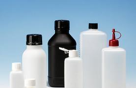 Behälter und Flaschen