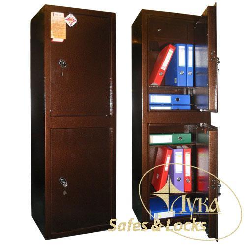 Сейф офисный для документов. Состоит из двух независимых частей. В верхней части  кассовое отделение и полочка. Обе секции сейфа закрываются отдельно ключевыми замками. В нижней части сейфа расположен