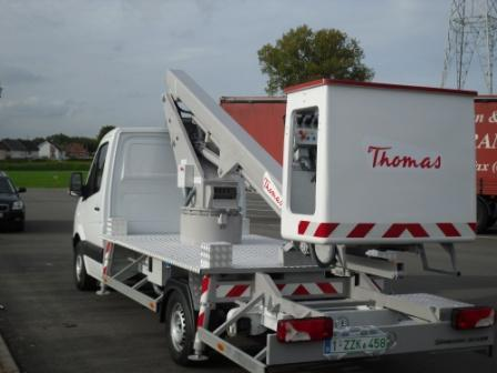 Boom lift 13m mounted on truck