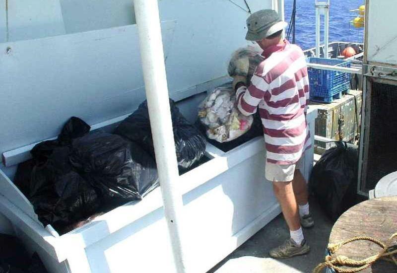 Prise en charge des déchets liés à l'entretien du navire ou à l'activité humaine   Acheminement de ces déchets vers des installations de valorisation Résidus de cargaison (Marpol 1)
