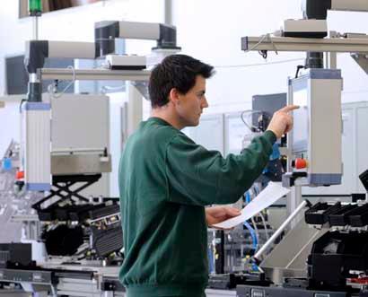 Unsere besondere Stärke liegt in der Kombination von automatisierten oder manuellen Industrie-Montageanlagen mit professionell integrierter End-of-Line Prüftechnik.