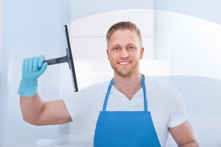 Der Edin-Reinigungsservice übernimmt die professionelle Glasreinigung an Ihrem Gebäude. Wir sind spezialisiert in diesem Gebiet und freuen uns auf Ihre Anfrage.