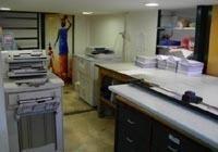 La Eliografica Sprint è un Centro copie che utilizza macchinari di ultima generazione. Fotocopie a colori, fotocopie bianco e nero. Specializzati in rilegature tesi, con dorsetti, spirale e termiche