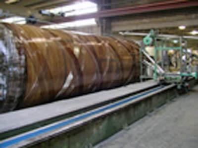 Produzione serbatoio, fase di filatura.