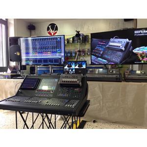Demostration ROLAND Professional product M5000, M480, M200i, M300, VR-50HD, V-1HD, V-800HD, V-40HD, S-2416, S-1608, S-808