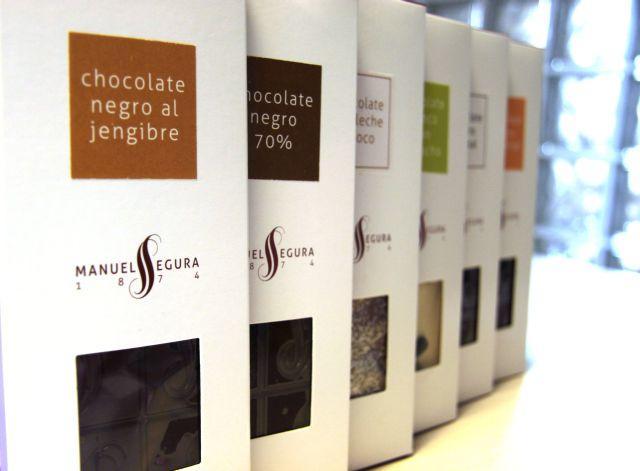 Amplia variedad de chocolates artesanos elaborados sólo con ingredientes naturales.
