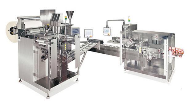 Linee automatiche complete per il confezionamento di bustine a 4 saldature, rettangolari o sagomate, con unità di raggruppamento, conteggio ed inserimento automatico in astucci.
