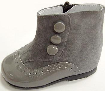 Style TI 287 children boot made in 100% in Spain, genuiene leather and high quality.   Sizes from 18 to 26.