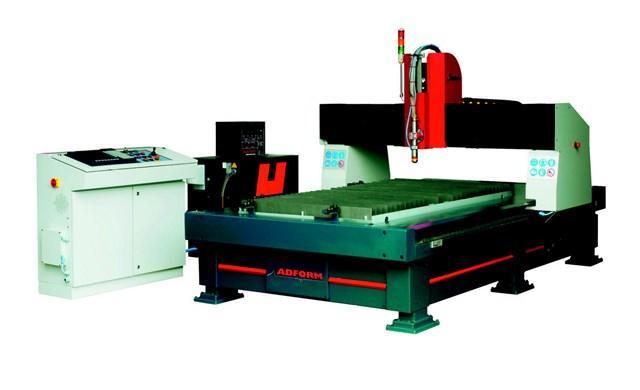 Banc de decoupe plasma de 1500 x 3000 à 4000 x 12000 mm. Source hypertherm XD, CN microedge et logiciel d'imbrication Pronest. Machine rigide, dynamique et fiable