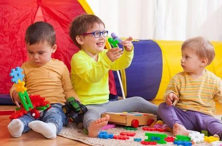 Sensibilisations aux dangers des champs électromagnétiques dans les écoles, crèches pour les enfants.  www.ecoondes.com