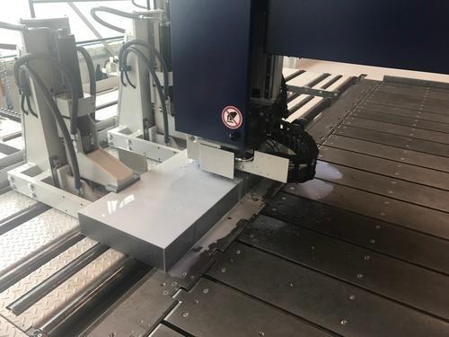 Sägezuschnitt auf einer Plattensäge
