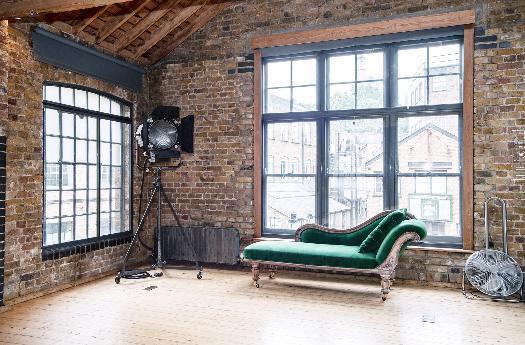 Studio Chaise