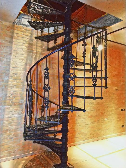 Production of spiral cast iron staircases for individual orders