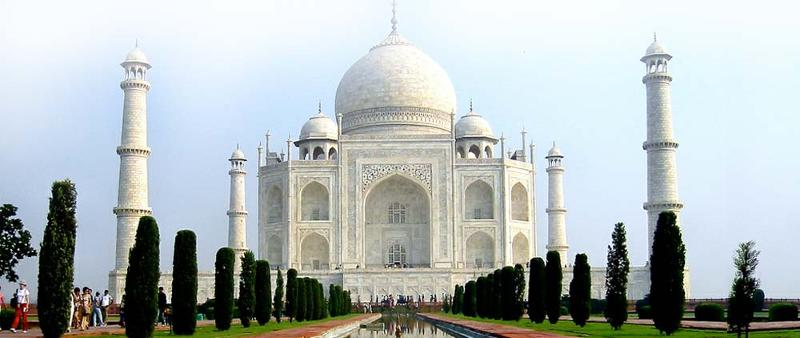 Crocus Travel offers the Full Moon Night Tajmahal tour by our expert tour manager