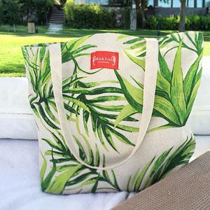 Strand Tasche aus 100% Baumwolle mit Siebdruck hergestellt. Verschiedene Grössen und Druckarten sind möglich zu leisten.