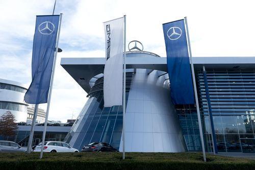 Fahnenmast Daimler