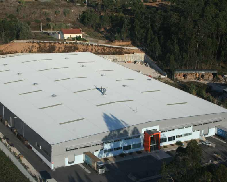 Factory with 10000sqr metres