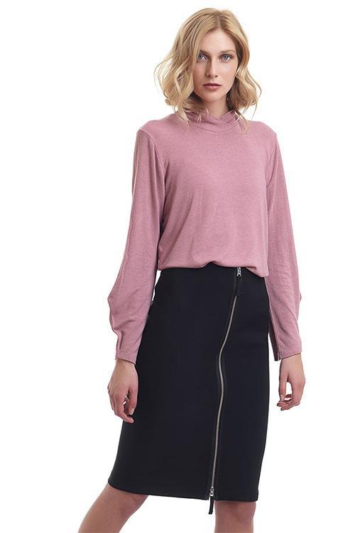 https://www.la-stampa.gr/en/catalog/product/view/id/1981/s/2276242-black-highwaist-straight-line-midi-skirt/category/3/