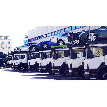 Transportes: coches y caravanas