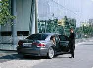Aluguer de carro com chauffeur com serviço personalizado
