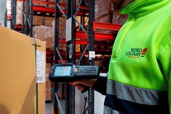 La manipulación de mercancías, siguiendo las más estrictas directrices marcadas por nuestros clientes, es uno de los servicios personalizados que ofrece Nordlogway.