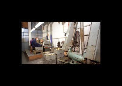 B.m.t. Pulitura metalli Smerigliatura metalli