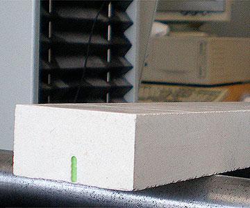 piattina inserita all'interno della pietra - submitted profile in stone
