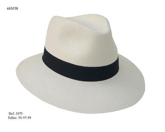 Sombrero fabricado con fibras naturales totalmente artesano