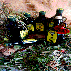 Our Set of EXTRA VIRGIN Olive Oil by MEDILIFE comes from Hand harvested Olives. Quality is our main concern. You can take sample to verify. We carry various bottle shapes and volumes for our Olive Oil