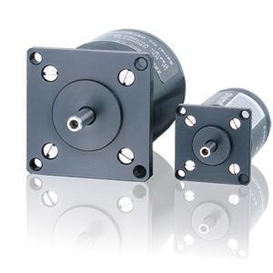 Präzisions-Schrittmotor mit optimaler Geometrie und Magnetisierung für weiches Laufverhalten