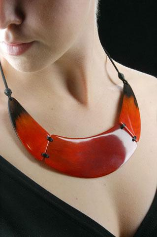 Horn made necklace
