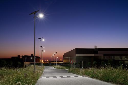 fonroche environnement urbain energies renouvelables clairage solaire lampadaire solaire. Black Bedroom Furniture Sets. Home Design Ideas