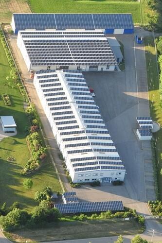 Firmensitz - Luftaufnahme 2012