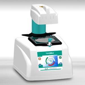 Termoformatrice completamente automatica, potente e silenziosa con pompa vuoto integrata.  Fully automatic thermoforming machine, powerful and silent with integrated vacuum pump.