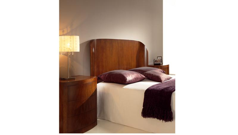 Bedroom with Spanish Walnut in our Tradicional high end finish