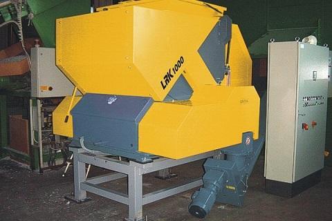 Las trituradores de plástico LRK fiables y robustas son populares entre las empresas de la industria del procesado de plásticos para la reducción de volumen y reciclaje en sus propias instalaciones. C
