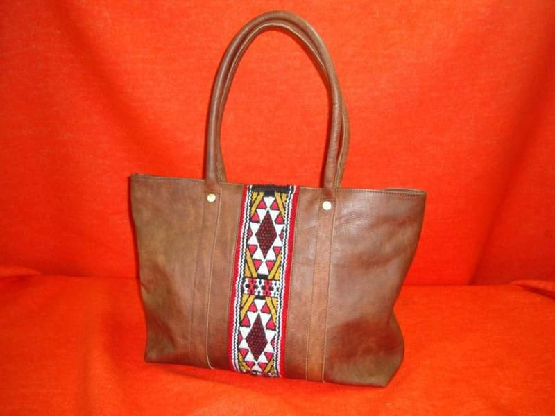 We make artisanal bag with vintage fabric