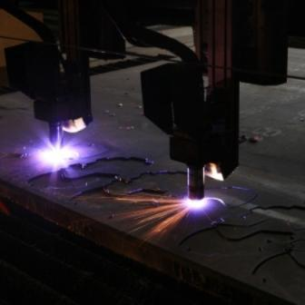 Plasma cutting of wear resistant and high stenght steel plates