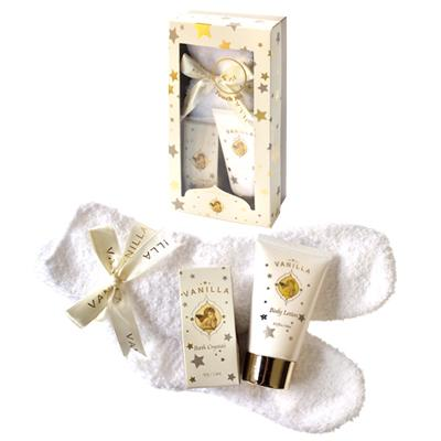60ml bodylotion, 50g bath crystal, 1 paar cuddle sox / Fragrance: Vanilla