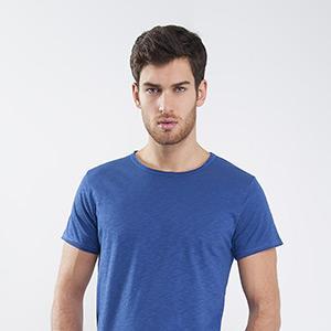 Round neckline short sleeve raw edge slub t shirt