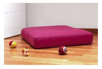 Creazione divanetti per animali domestici con possibilità di scelta colori tessuti, interamente sfoderabile e lavabile.