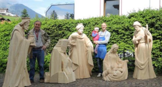 Lebensgröße Krippenfiguren. Komplett handgeschitzte Figuren in Lindenholz.