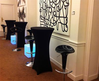 Locaprod v nement mobilier d 39 exposition location for Location mange debout paris