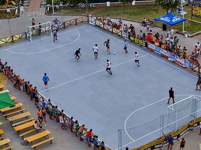 Produzione e Fornitura di pavimentazioni modulari per campetti multisport indoor o outdoor. La nostra azienda è in grado di procedere all'installazione della pavimentazione