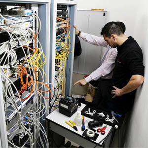 Enlace de fibra óptica, que dará servicio a los diferentes grupos políticos en el Ayuntamiento de Majadahonda.