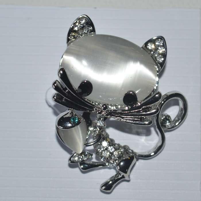 Broche chat oeil de chat et strass en cristal
