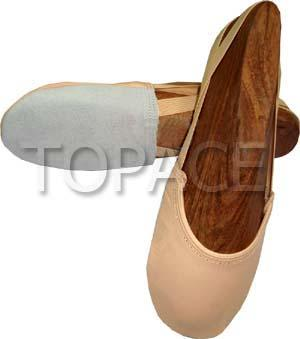 Art No : 528 Made of genuine leather with split sole
